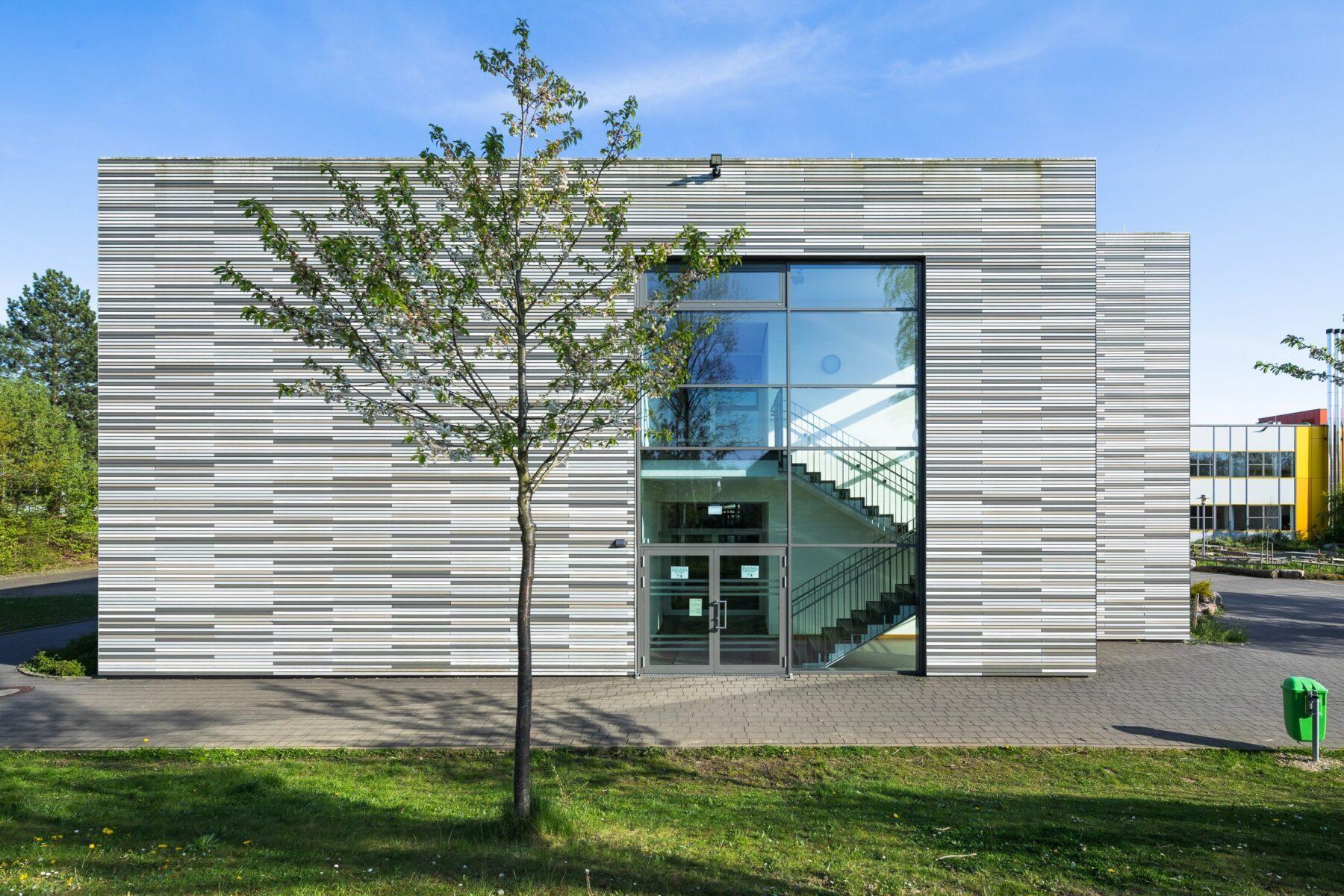 Außenaufnahme Schulzentrum Lohfeld Architekturfotograf